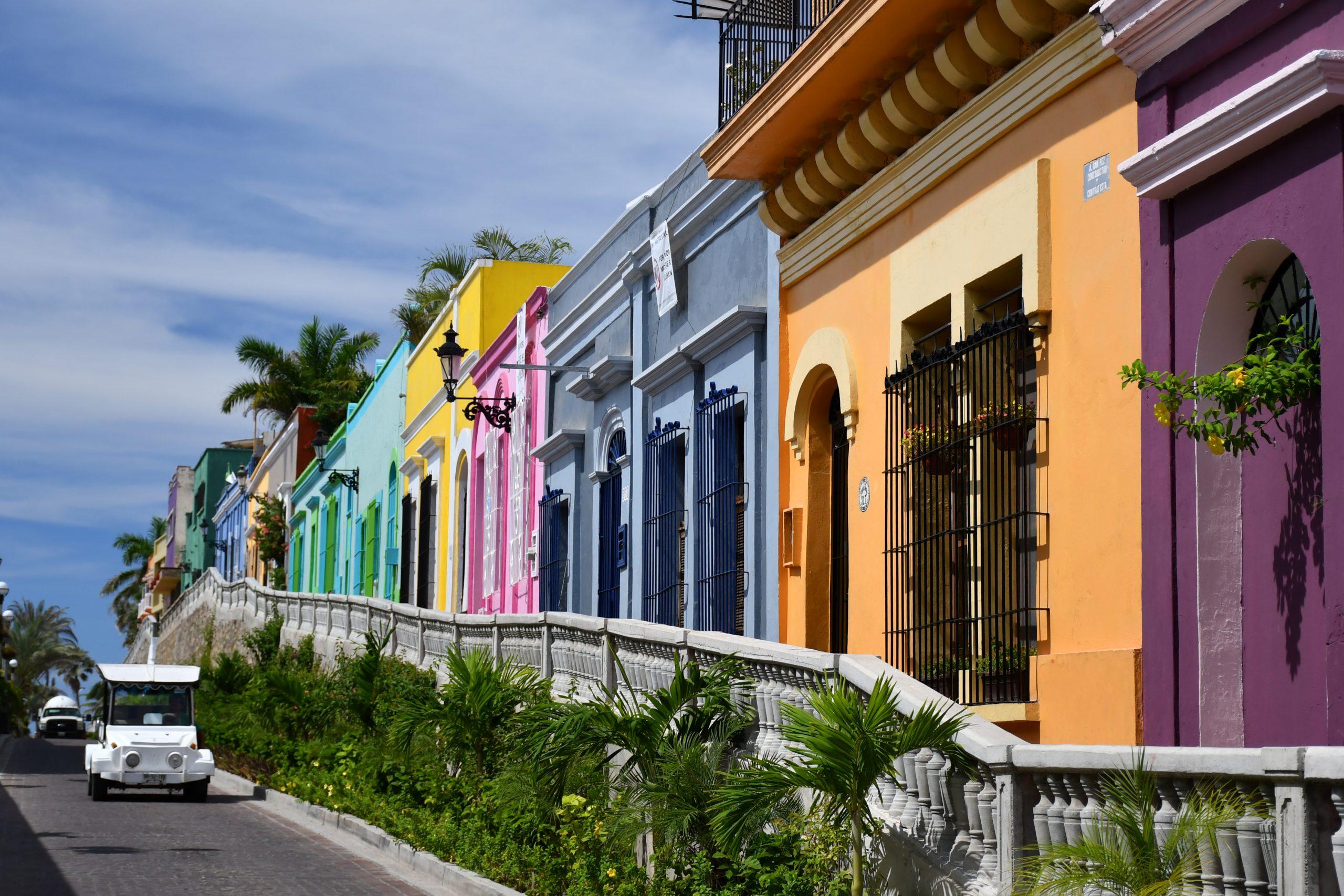 Avenida Ángel Flores en Mazatlán