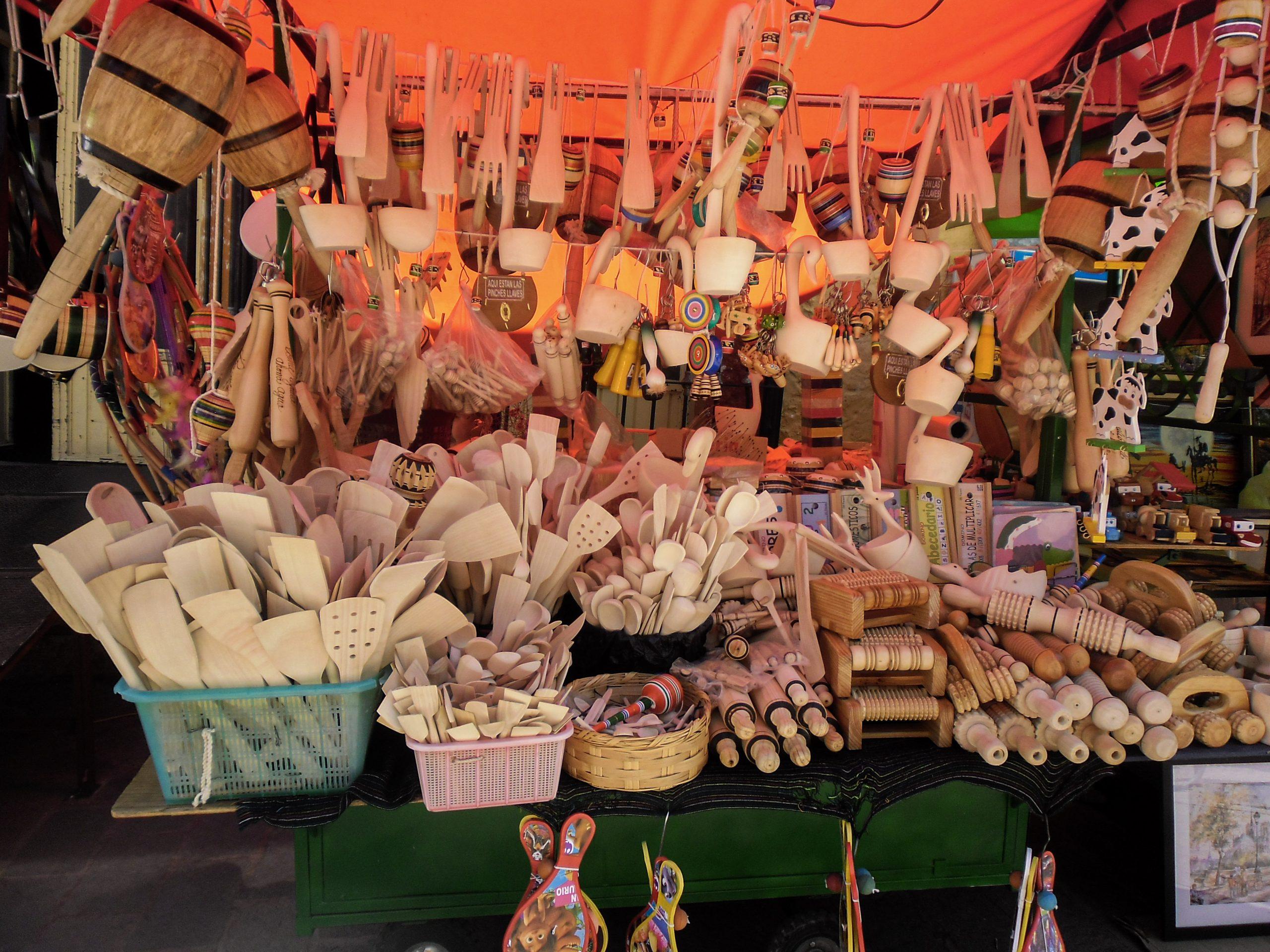 Artesanías de madera en Tequisquiapan