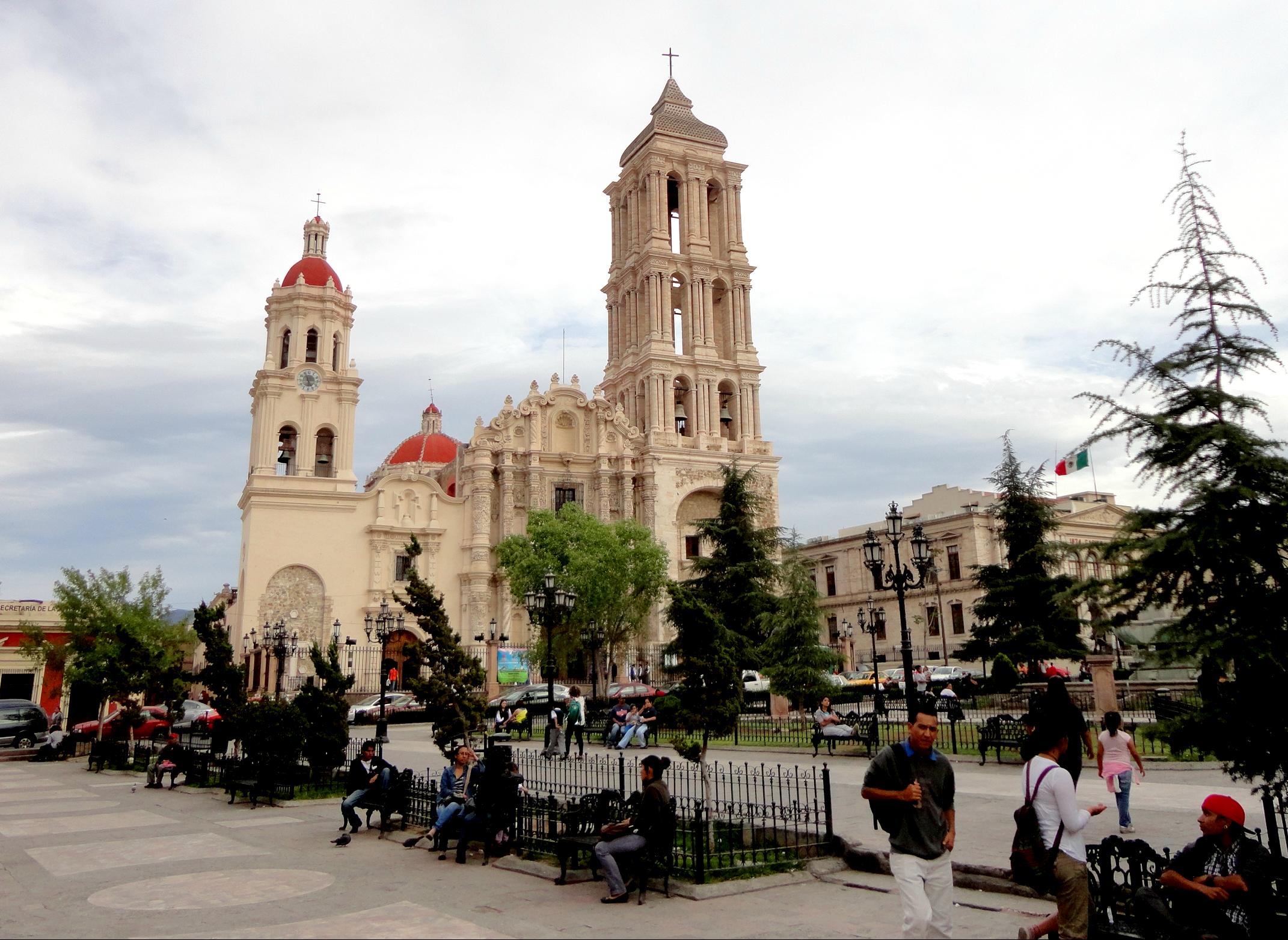 Catedral de Saltillo y Plaza de Armas