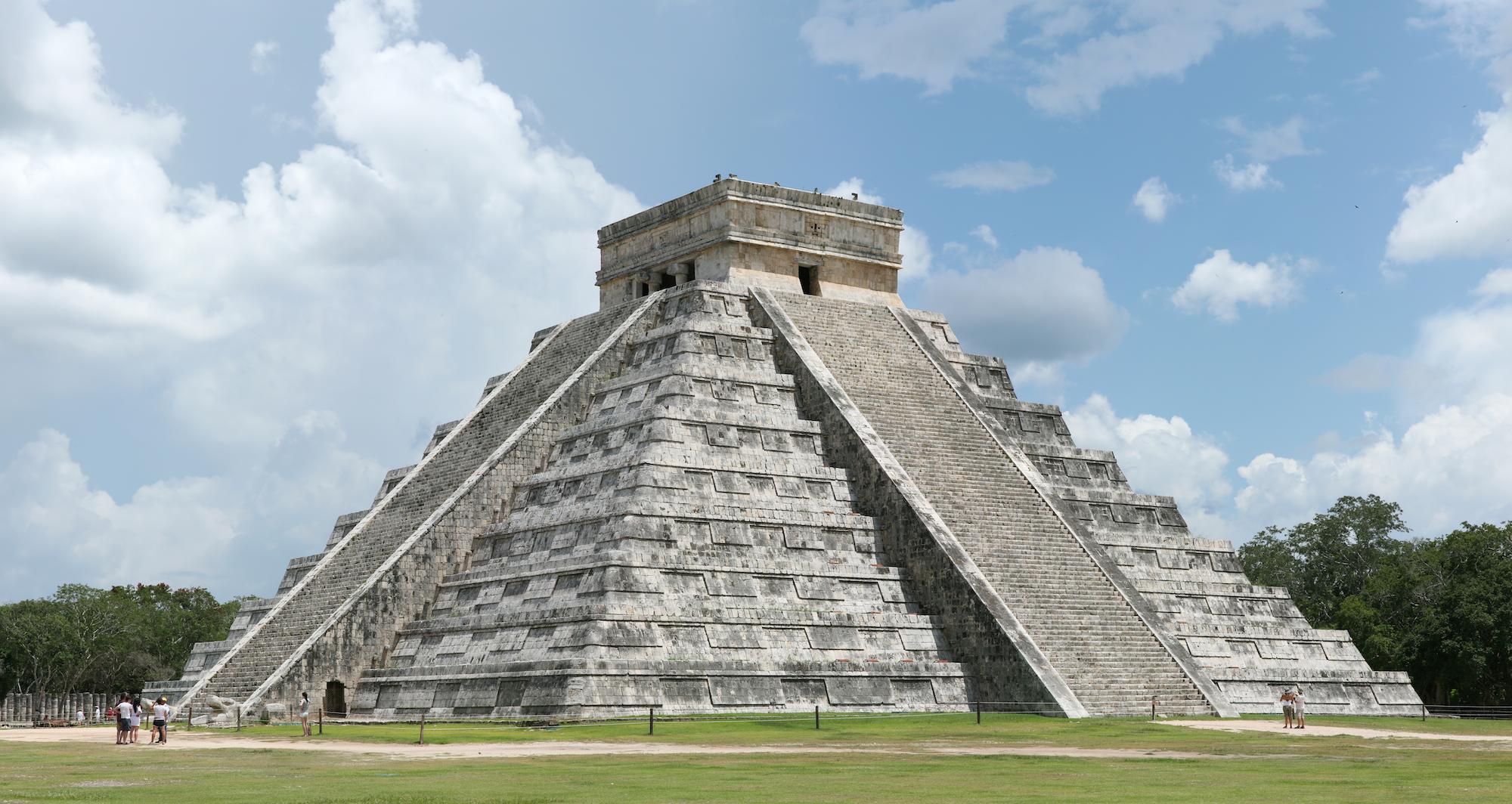Pirámide de Kukulcán, zona arqueológica de Chichen-Itzá