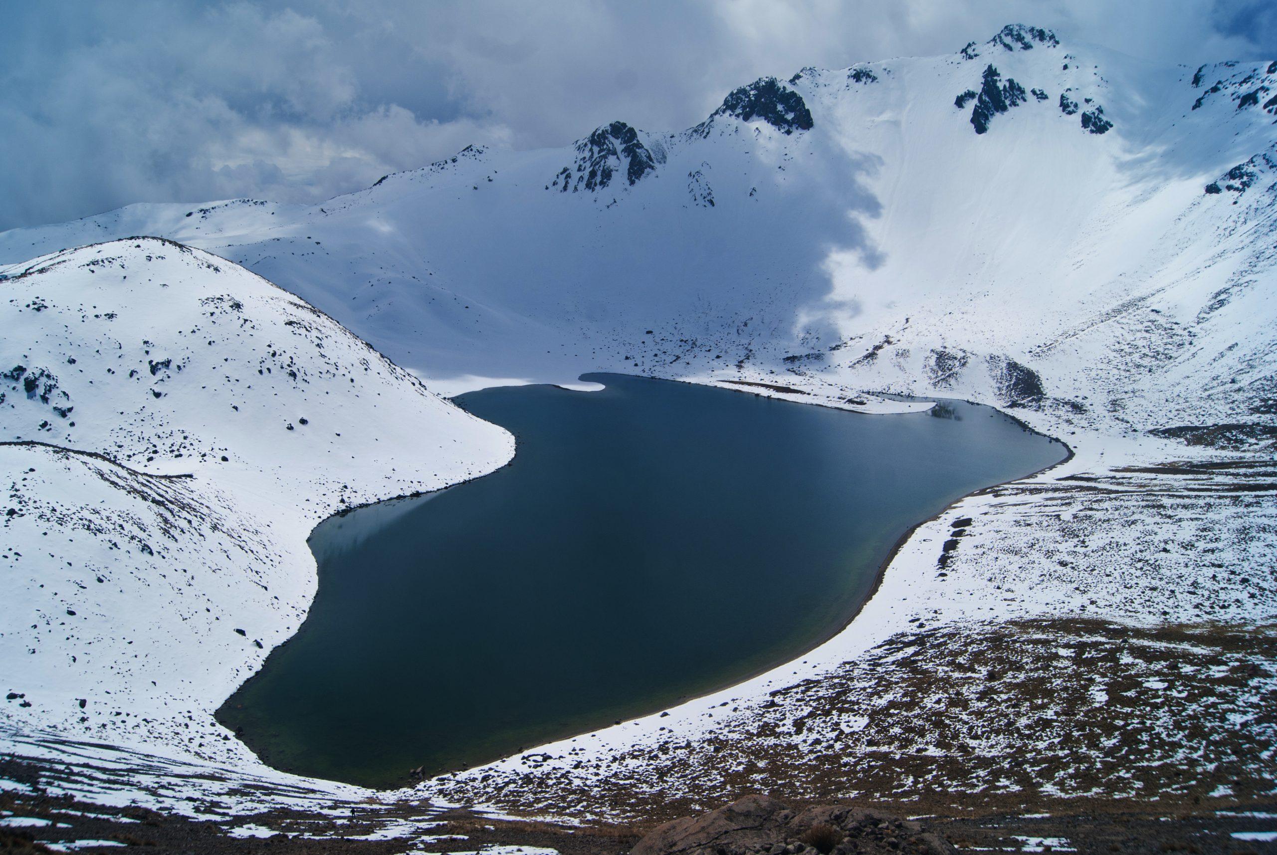 Laguna del Sol, cráter del Nevado de Toluca